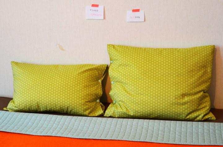 inspiratie / zelf beddengoed maken / Riley Blake fabrics pillow case / Retro beddengoed / zelf retro beddengoed maken / zelf kussenslopen maken / www.geensteekjelos.wordpress.com
