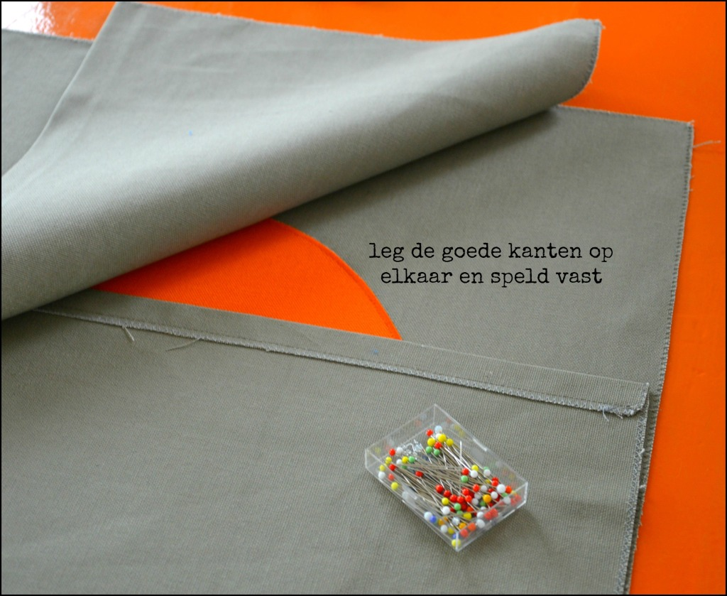 kussenhoes naaien / sierkussens maken / sierkussen / retro kussenhoes maken / retro kussenhoes / retro sierkussens / handgemaakt / design / www.geensteekjelos.wordpress.com