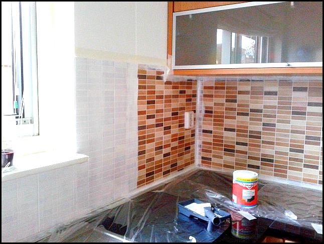 Muurtegels Keuken Verven : keuken verven / tegels in keuken verven / zelf tegels verven / lelijke