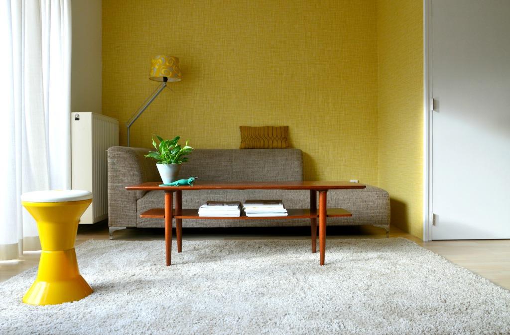 Orla Kiely behang Scribble / Orla Kiely wallpaper Scribble / mid century modern living room / retro woonkamer / www.geensteekjelos.wordpress.com