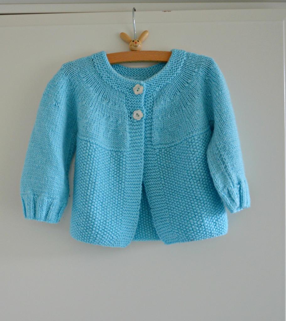 Oma's handgebreide baby vestje / handgebreid baby vestje / www.geensteekjelos.wordpress.com