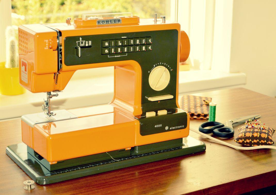 retro siersteken /jaren '70 naaimachine / retro naaimachine / köhler naaimachine / oranje naaimachine / leren naaien / zelf maken / www.geensteekjelos.wordpress.com